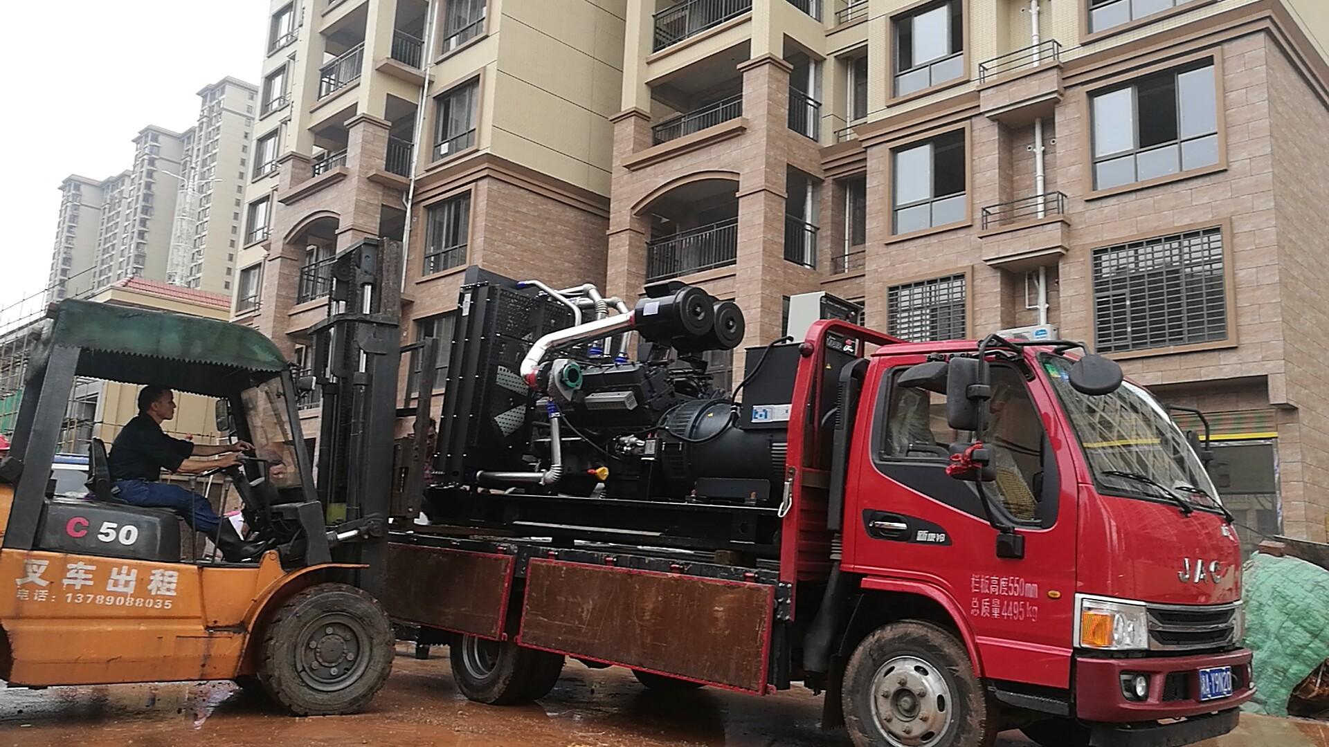明邦工作人员在攸县安装调试500kw上柴发电机