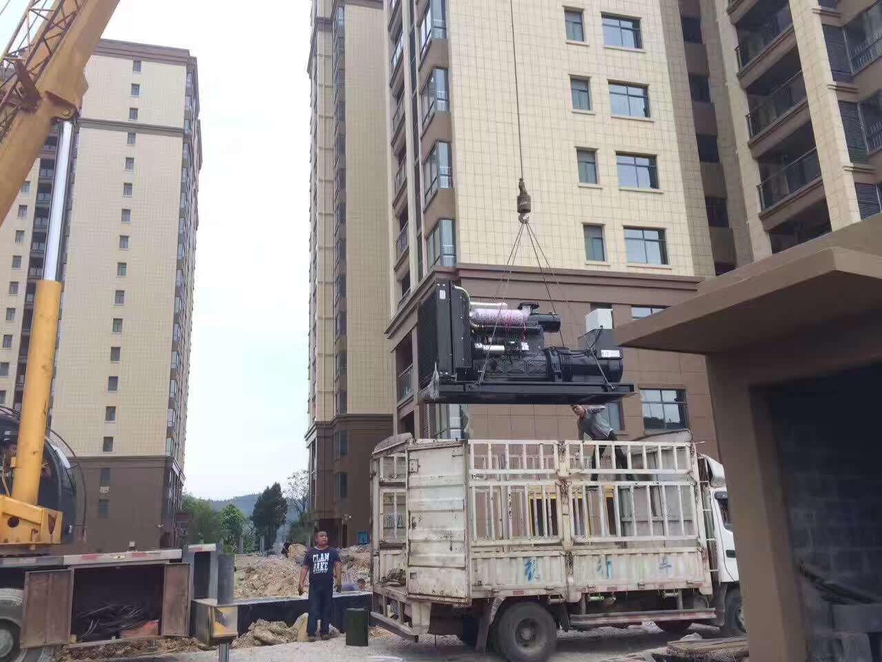 湘西保靖梨子园小区安装明邦300KW上柴发电机一台